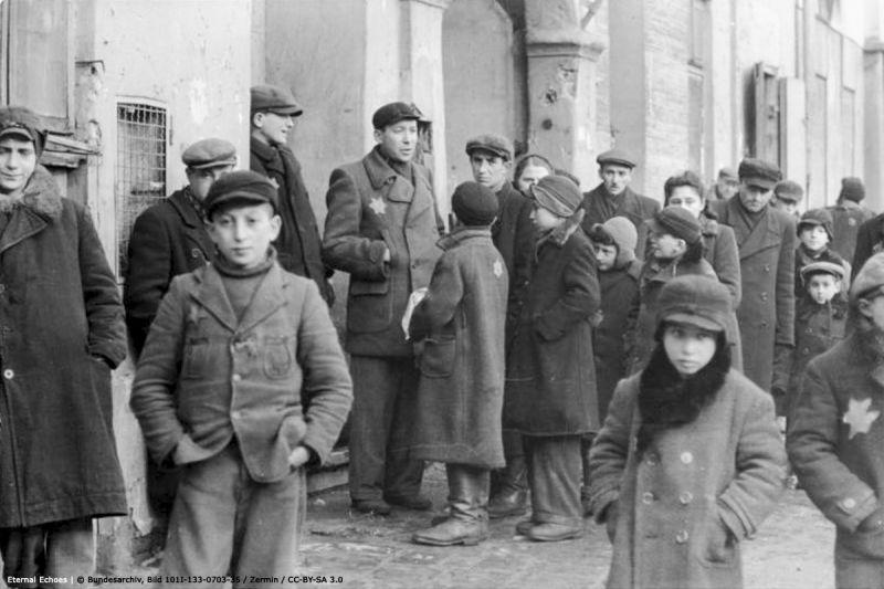 7 1939-1942 – Forced Into Ghettos