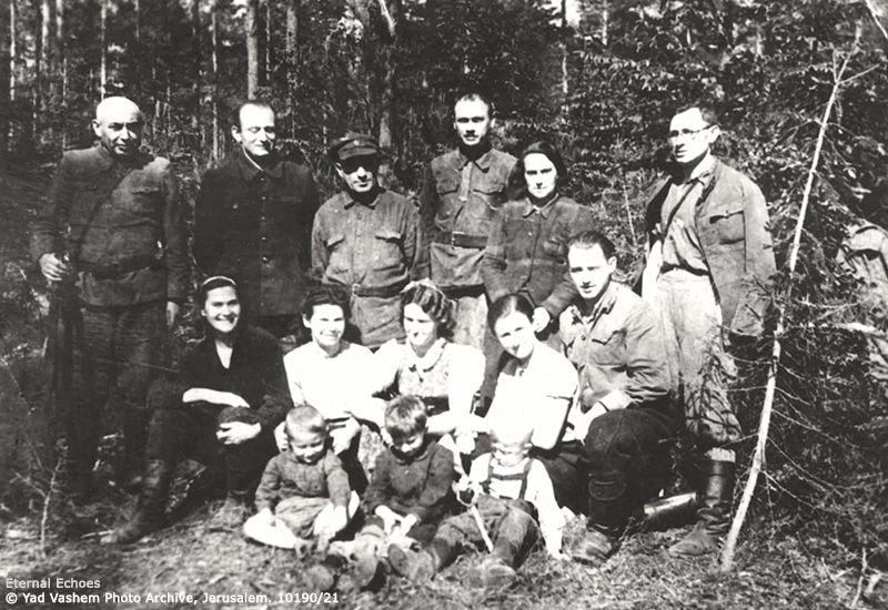 4-4-bielski-woman-children